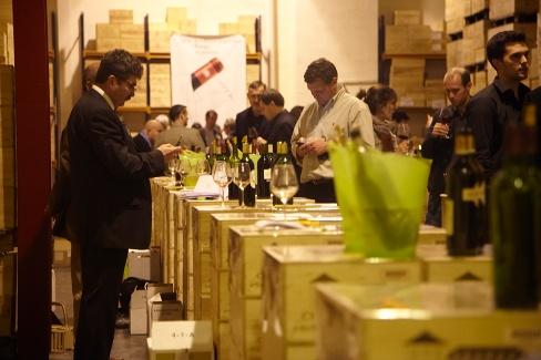 Un salon des vins de bordeaux en 2014 un salon des - Salon professionnel bordeaux ...