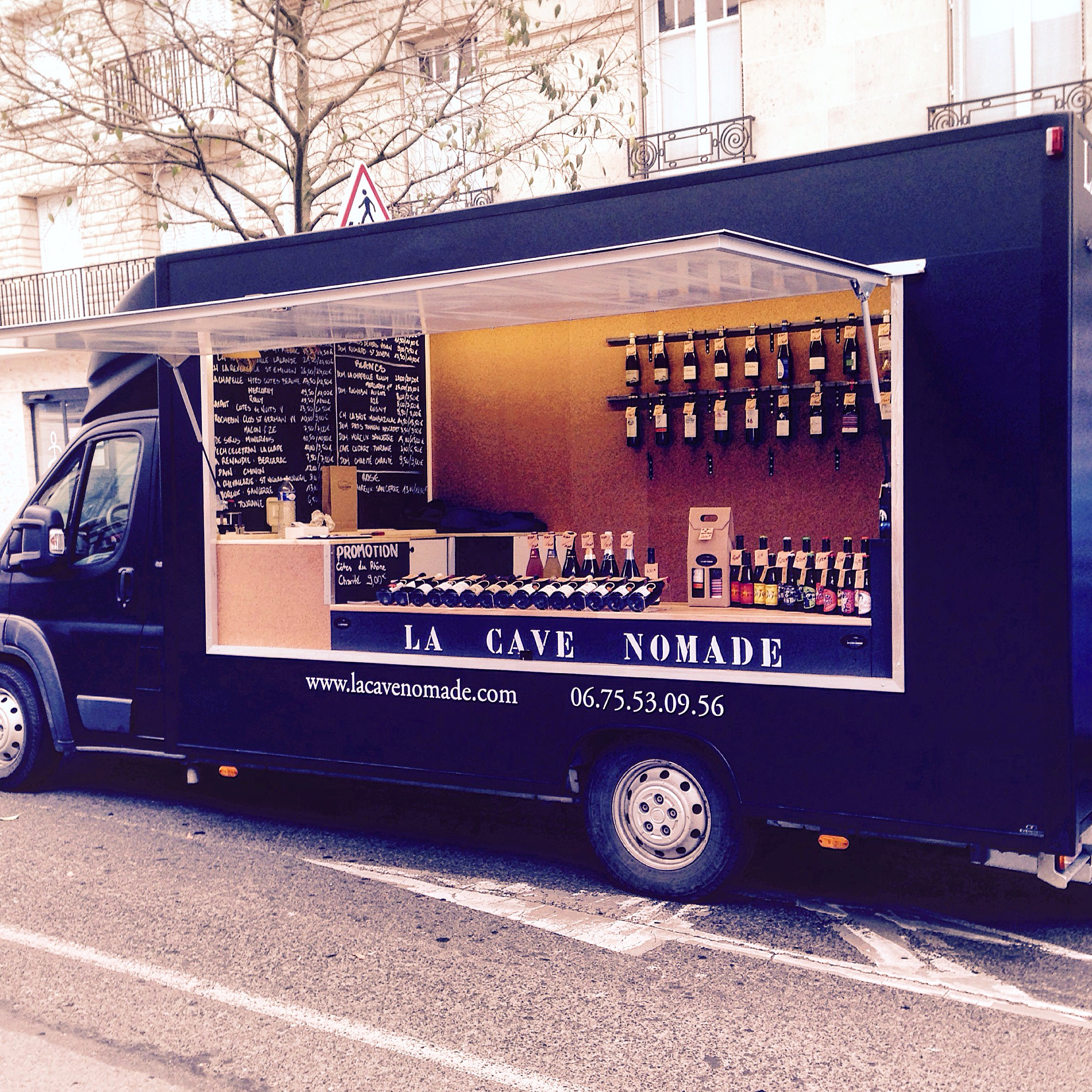 La cave nomade nouveau camion vins au c ur de reims for Bar 96 food truck