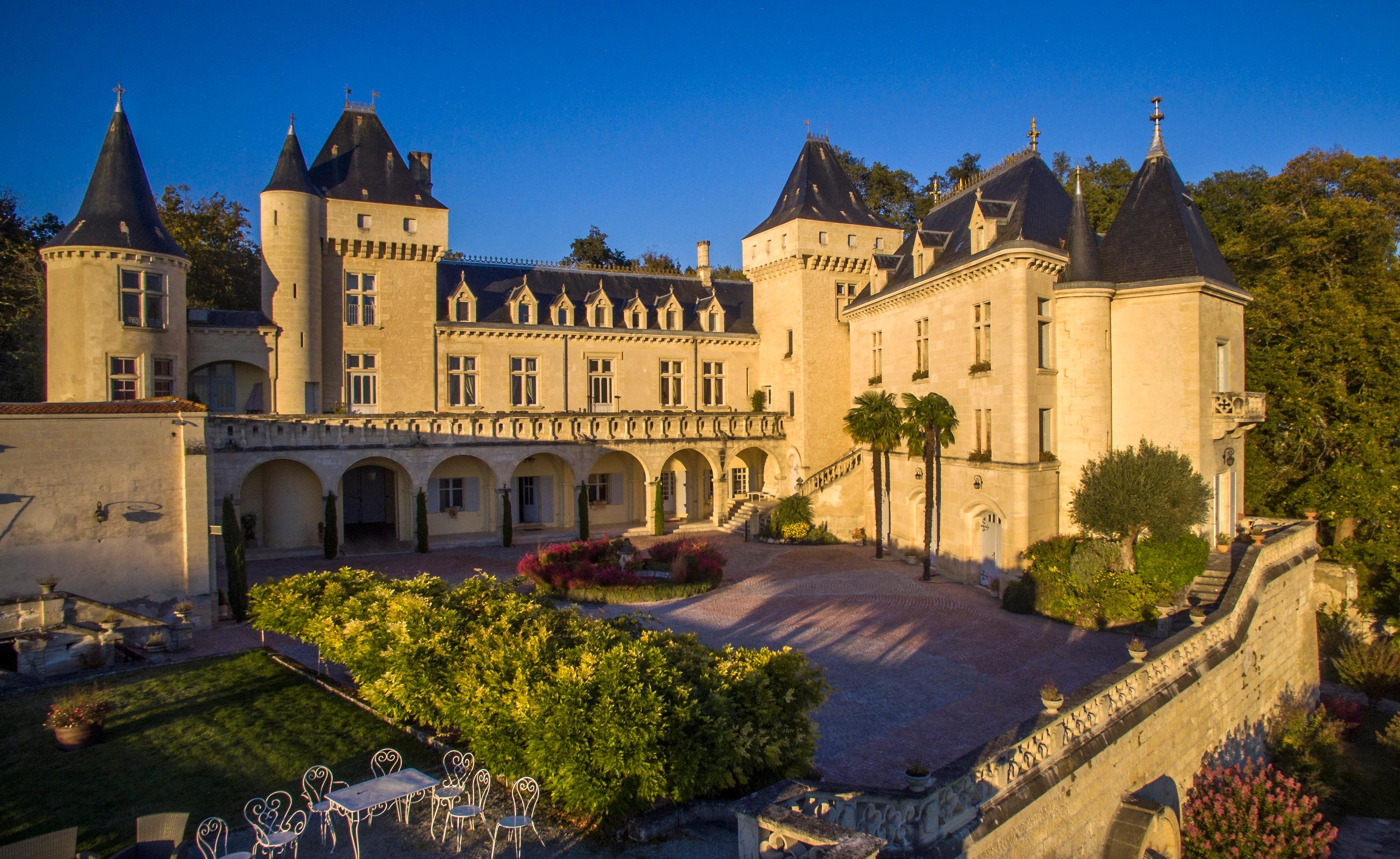 """Résultat de recherche d'images pour """"chateau la riviere"""""""